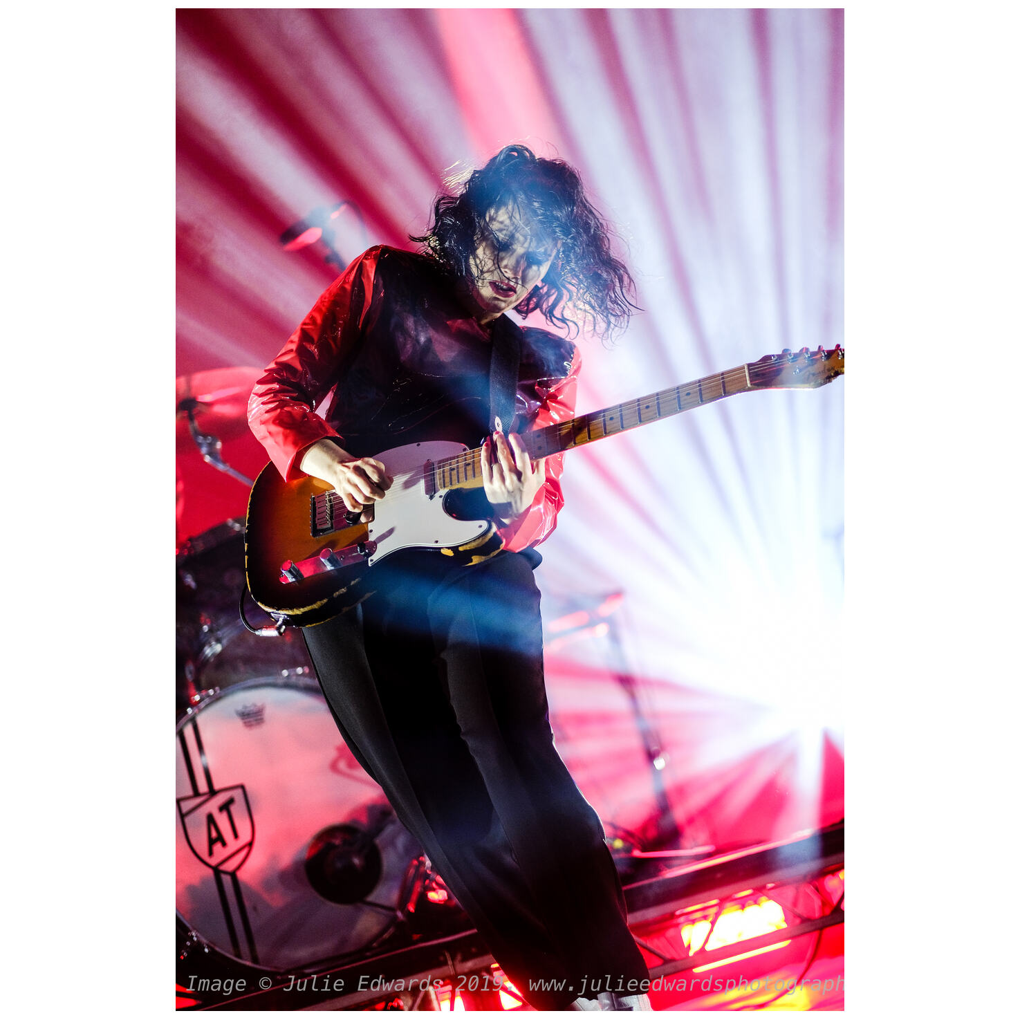 Anna Calvi performs on the Open Air Stage. X-T2 +XF56@F1.2